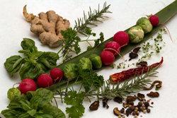 Приправить по вкусу травами и приправами