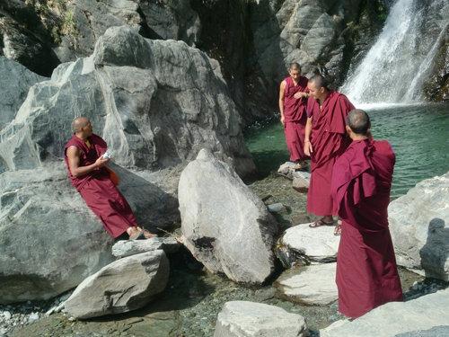 Тибетская гимнастика в постели - простая, но эффективная гимнастика
