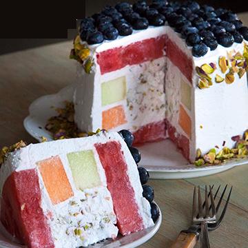 Торт  с арбузом - прекрасная альтернатива выпечке