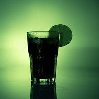 Чтобы эффективно похудеть, употребляя соки, следует преимущественно пить зеленые или овощные соки