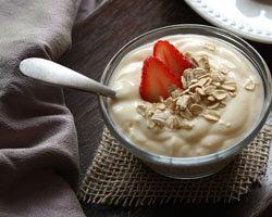 Как приготовить полезный йогурт