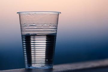 пейте, когда испытываете жажду