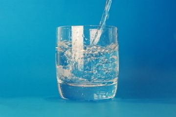 пить при нагрузках напитки с содержанием натрия