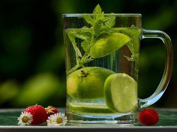 Как приготовить детокс напиток