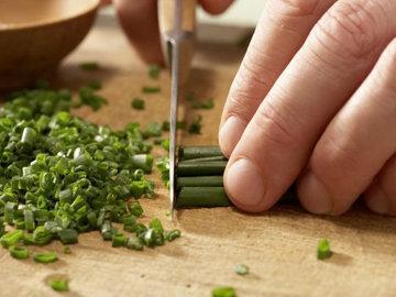 10. зеленый лук