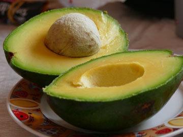 13. Авокадо с анчоусами