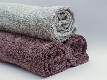 вытереть полотенцем кожу