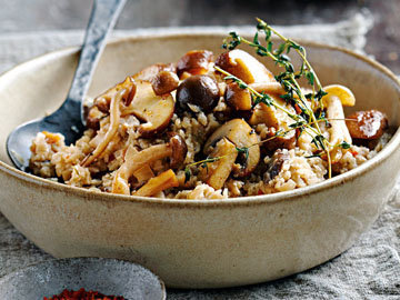 Ужин рис из цветной капусты с грибами