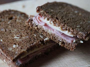 На обед есть сэндвич с куриной грудкой