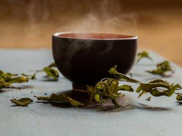 Зеленый чай для жирных волос