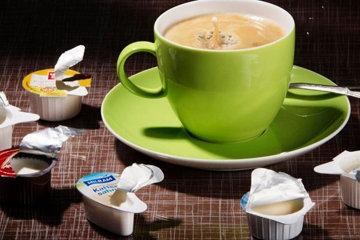 3. Ошибка добавлять сливки в кофе