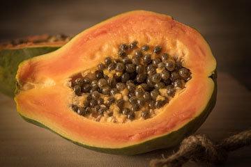 Тропический фрукт папайя