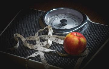 НЕ вставайте на весы на следующий день после праздника