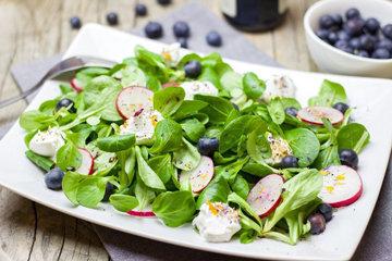 Много зелени просто является частью здорового питания
