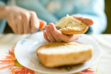 Принять решение о выборе масла или маргарина легко