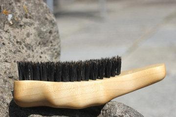 Мягкая натуральная щетка для волос