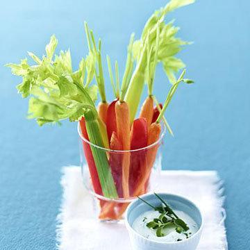Овощи с дипом