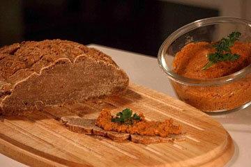 Овсяная паста на хлеб с грецкими орехами