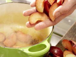 Вкусный диетический пирог с яблоками или сливой 6
