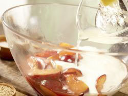 Вкусный диетический пирог с яблоками или сливой 8