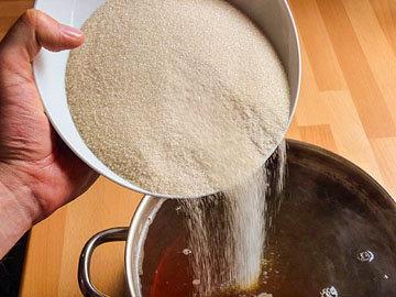 1. Положить сахар