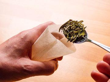2. Добавить пакетики чая