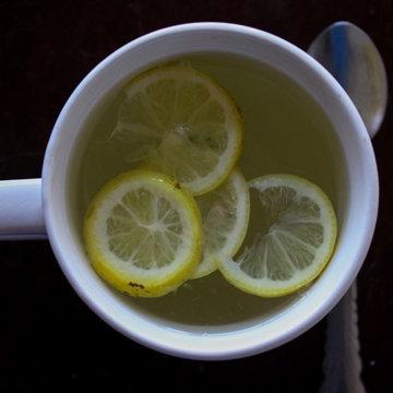 Горячая вода с лимоном