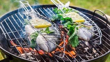 Блюда из рыбы на гриле на углях