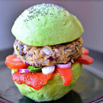 Бургер с авокадо