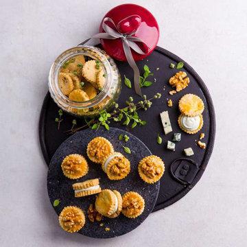 Пикантное печенье с орехами и сыром