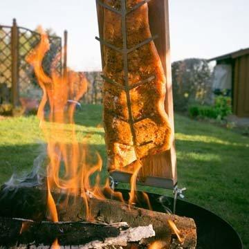 Пламенный лосось по старой финской традиции