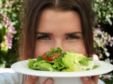 женщины нуждаются в более высокой плотности питательных веществ