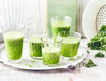 Зеленый смузи с кале