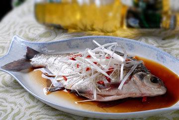 отварная белая рыба