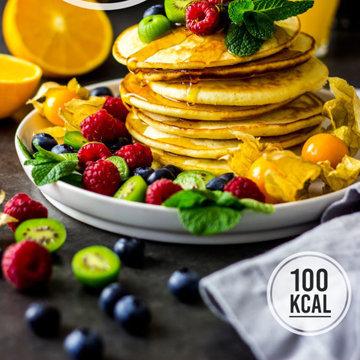 Оладьи из пахты с фруктами 1