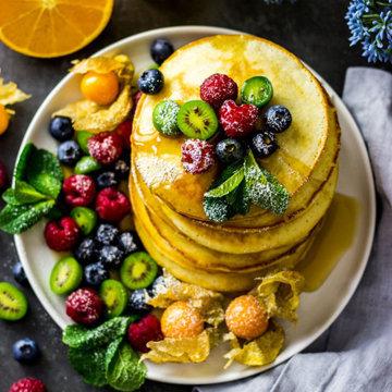 Оладьи из пахты с фруктами 3