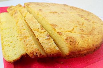 Кукурузный-хлеб-содержит-много-витамина-Б1