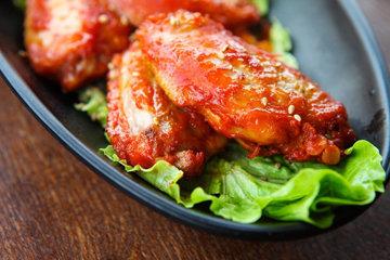 Как приготовить куриные крылышки в медово-соевом соусе