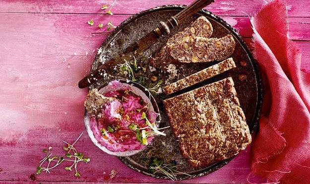 Супер хлеб со свекольной пастой