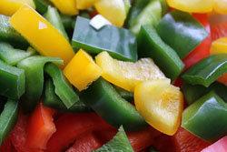 Сыроедение допускает употребление овощей, фруктов и ягод в сыром виде