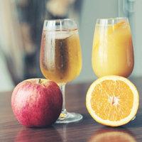 Почему следует пить свежевыжатые соки