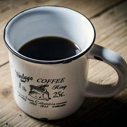 чашка крепко заваренного кофе