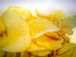 Сколько калорий тратится. Вред чипсов