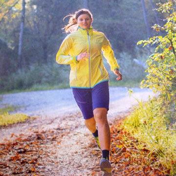 Начните комплекс упражнений с прогулки