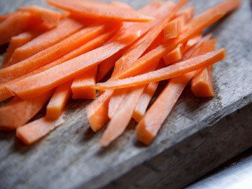 Овощи с луковым дипом