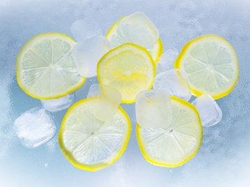 Формула чай + травы + подсластитель + кислота + лед
