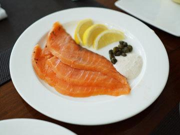 3. Роллы с лососем и цуккини