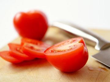 Маска-пилинг с помидором