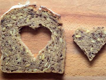 Хлеб с семенами и орехами