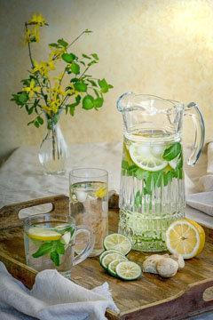 Лимон стимулирует обмен веществ